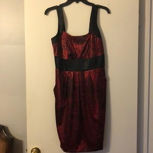 ❤️Stunning Red&Black silky soft dress!! Size 6